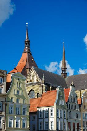 Blick auf die Marienkirche in Rostock.