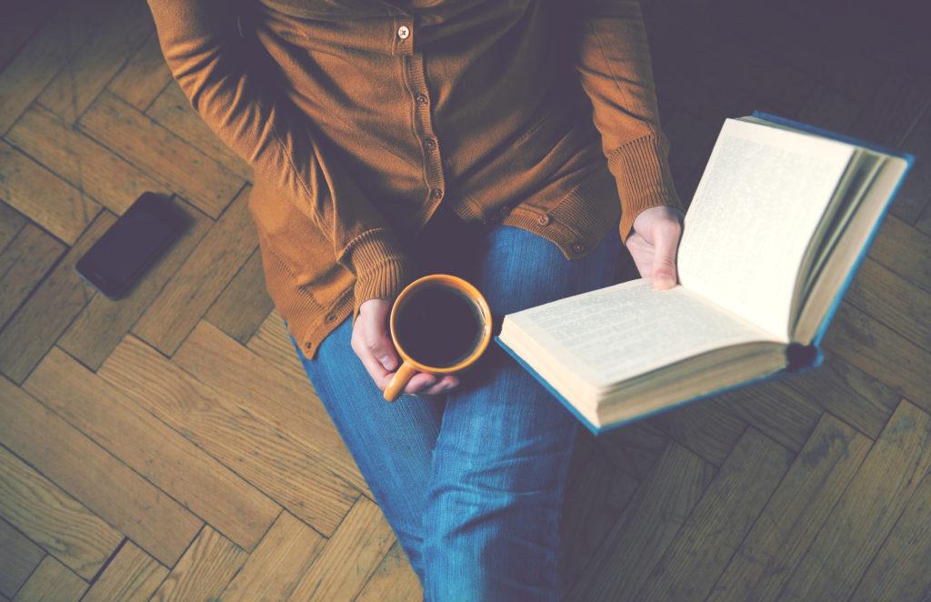 Buch lesen gegen Langeweile