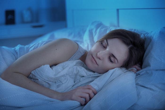 Schlaf reinigt die Haut