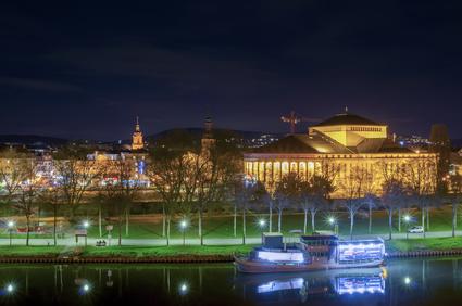 Saarbrücken bei Nacht.