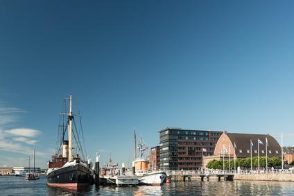 Museumshafen Kiel mit Fischauktionshalle und Sellspeicher