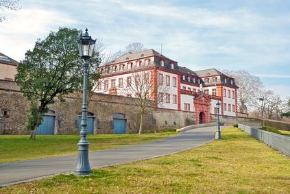 Kommandantenbau der Mainzer Zitadelle am Drususwall