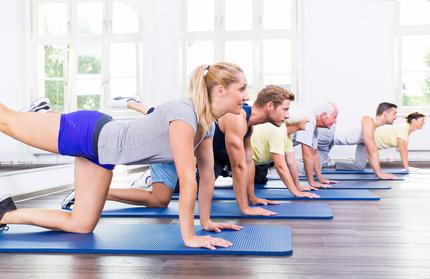Gymnastik zur Unterstützung beim Fasten